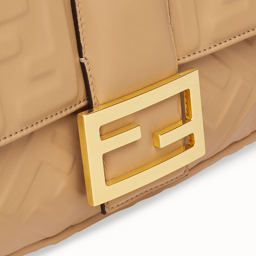 FENDI BAGUETTE LARGE - Tasche aus Leder in Beige - view 6 detail