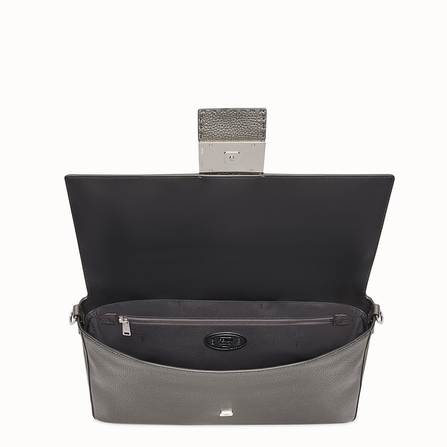 FENDI BAGUETTE - Grey leather bag - view 5 detail
