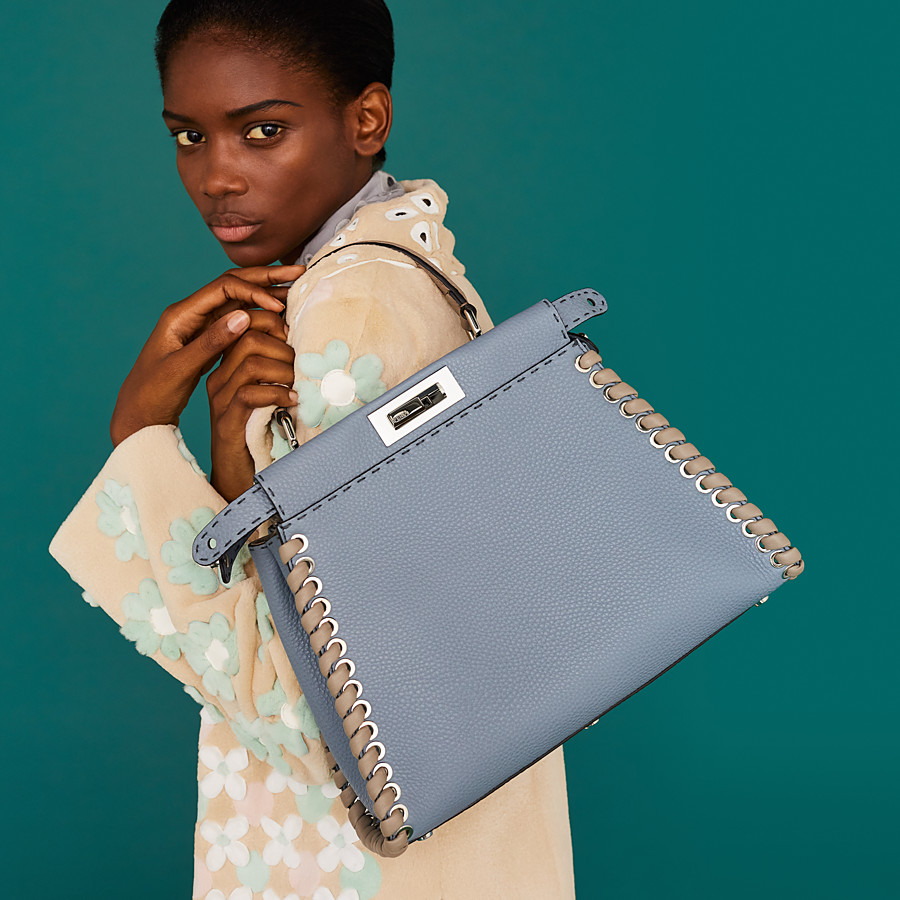FENDI PEEKABOO REGULAR - Pale blue leather bag - view 5 detail