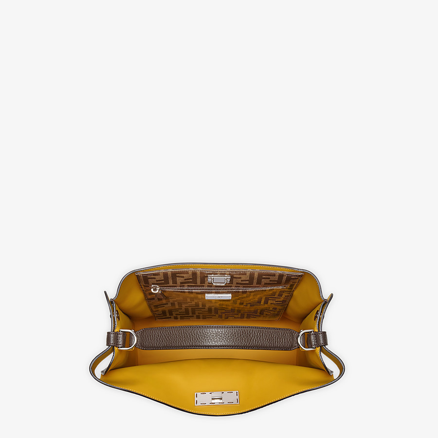 FENDI PEEKABOO X-LITE FIT - Tasche aus Leder in Braun - view 5 detail