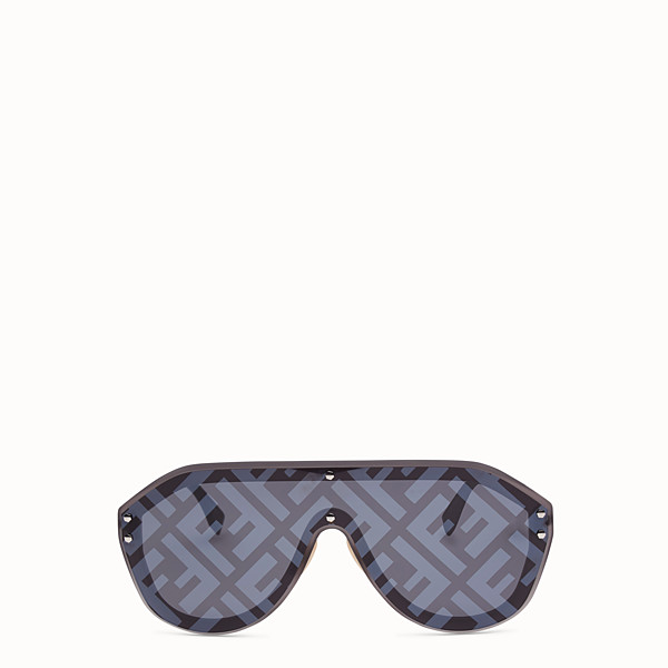 FENDI FENDI FABULOUS - Fashion Show FW18-19 grey sunglasses - view 1 small thumbnail