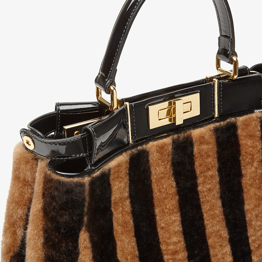FENDI PEEKABOO ICONIC MEDIUM - Borsa in montone e vinile multicolor - vista 7 dettaglio