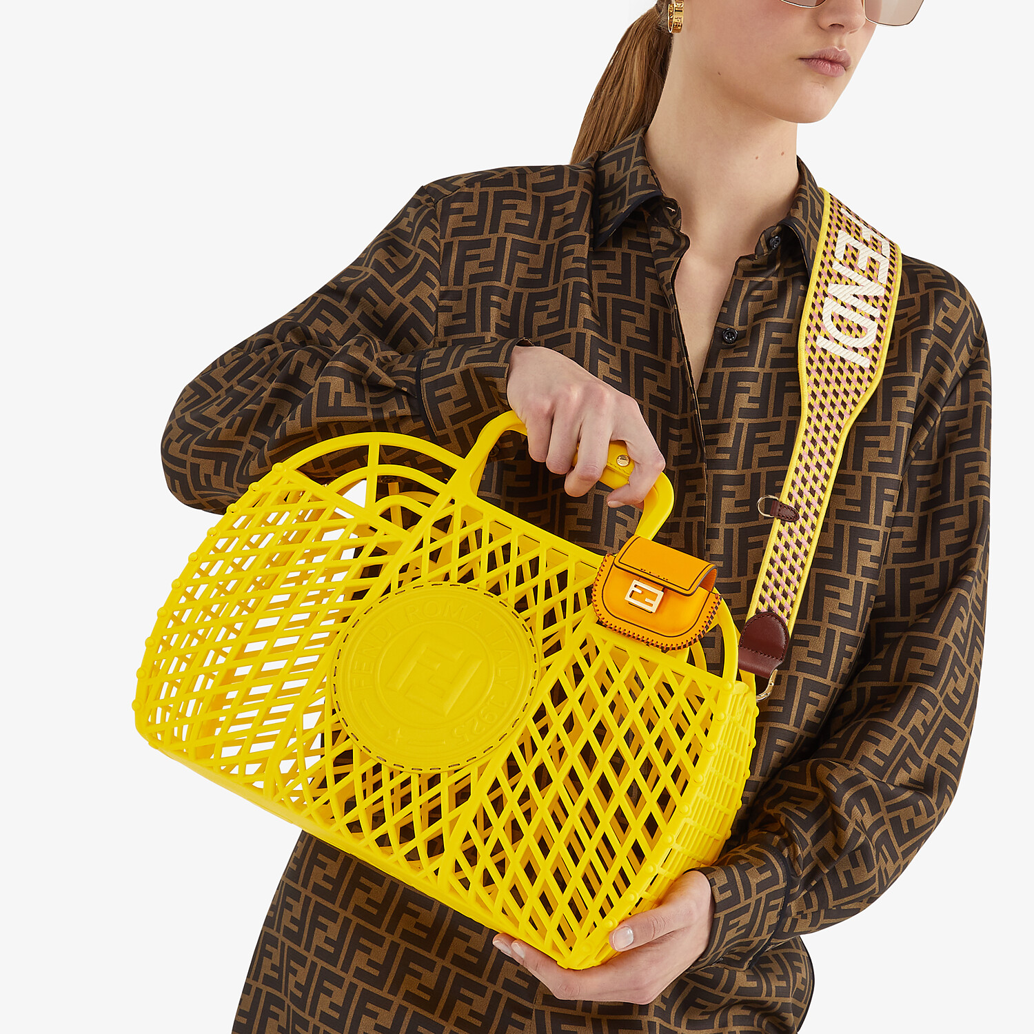 FENDI FENDI BASKET MEDIUM - Yellow recycled plastic mini-bag - view 2 detail