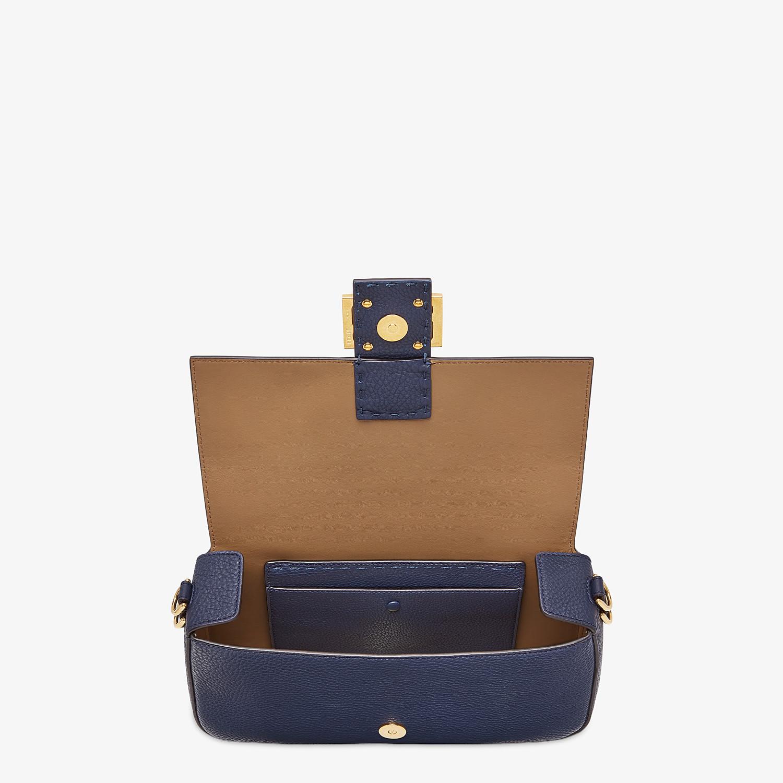 FENDI BAGUETTE - Blue leather bag - view 5 detail