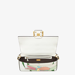 FENDI BAGUETTE - White leather bag - view 5 thumbnail