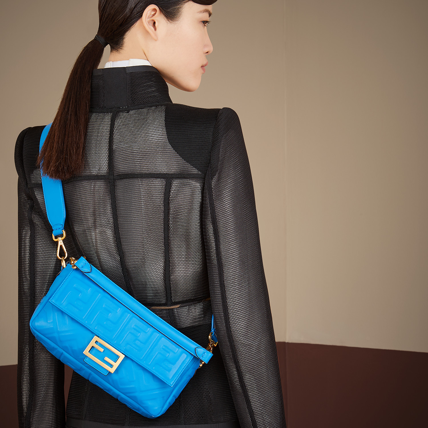 FENDI BAGUETTE - Blue leather bag - view 2 detail