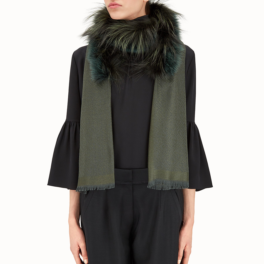 FENDI TOUCH OF FUR STOLE - Green stole in wool, cashmere and fur - view 3 detail