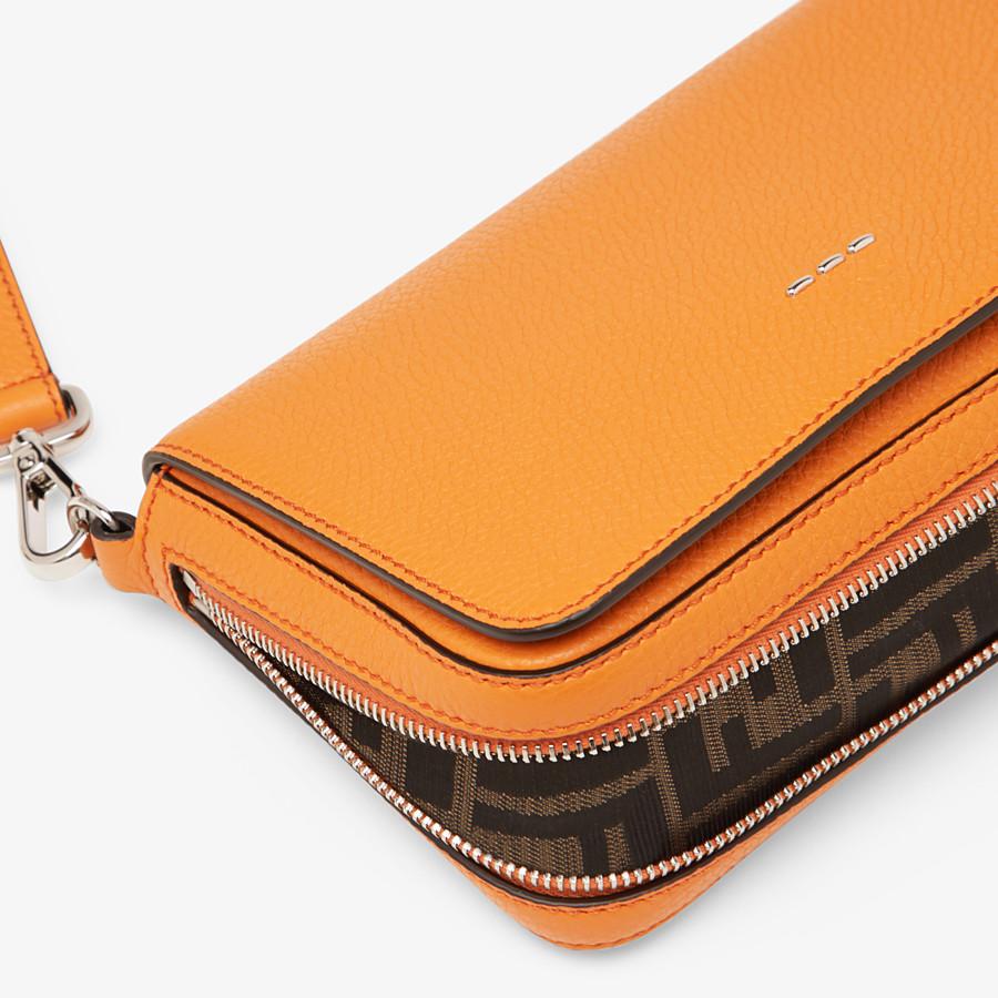 FENDI TASCHE MIT UMSCHLAG - Tasche aus Leder in Orange - view 6 detail