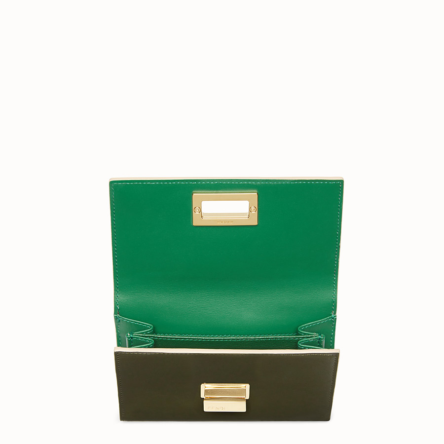 FENDI CONTINENTAL MEDIUM - Medium continental wallet in green leather - view 4 detail