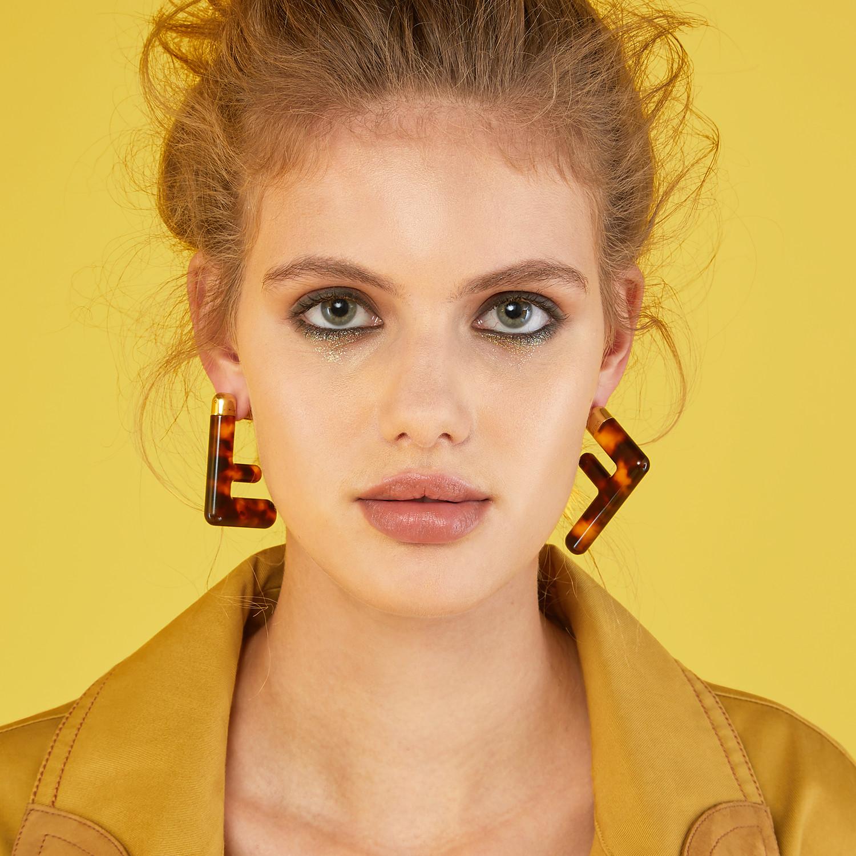 FENDI MEDIUM FF EARRINGS - Brown plexi earrings - view 4 detail
