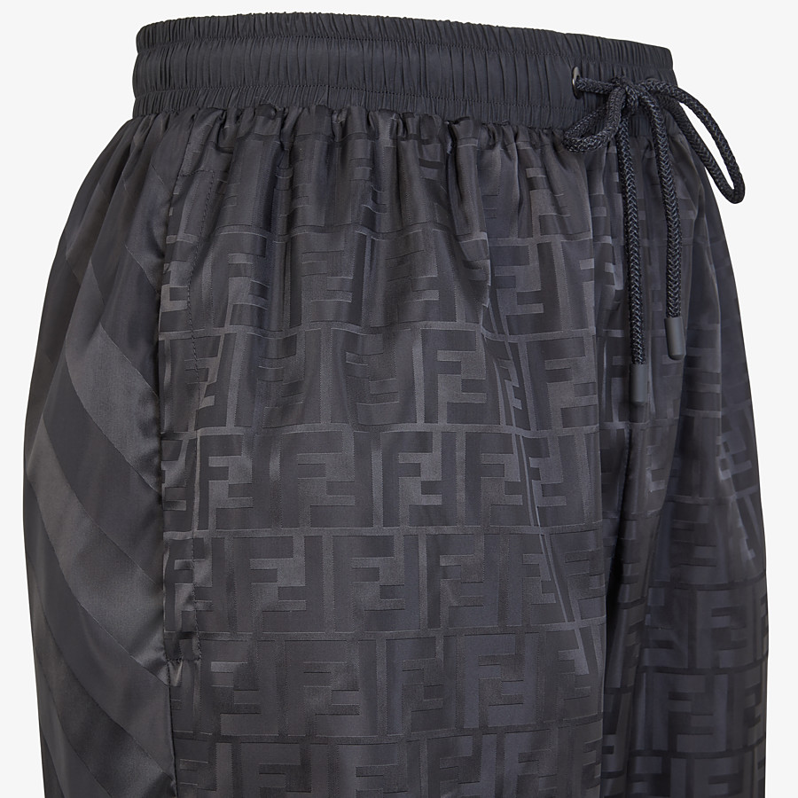 FENDI HOSE - Bermudas aus Nylon in Schwarz - view 3 detail