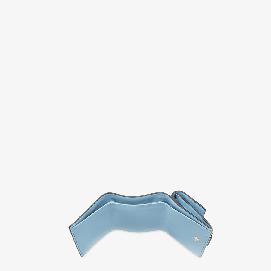 FENDI MICRO TRIFOLD - Portemonnaie aus Nappaleder in Hellblau - view 4 detail