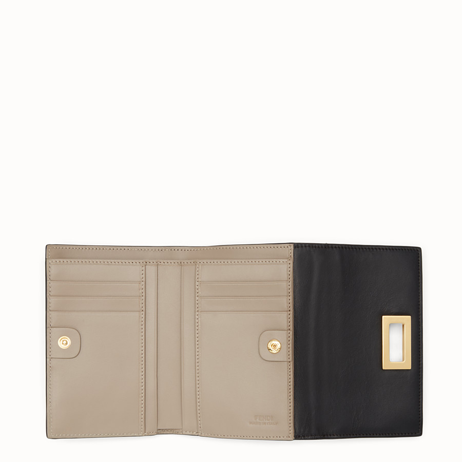 FENDI CONTINENTAL MEDIUM - Medium continental wallet in black leather - view 5 detail