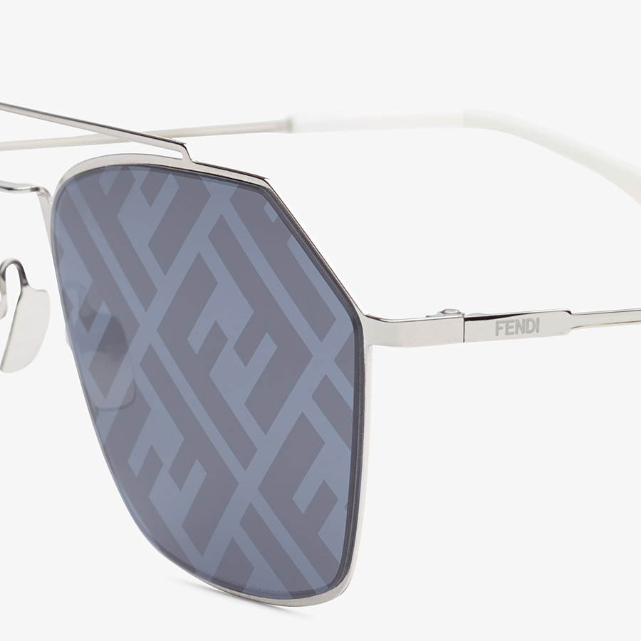 FENDI EYELINE - Sonnenbrille in Palladium - view 3 detail