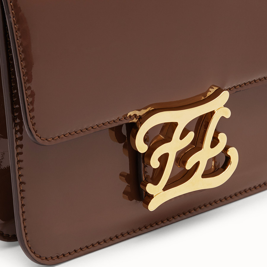 FENDI KARLIGRAPHY - Tasche aus Lackleder in Braun - view 6 detail