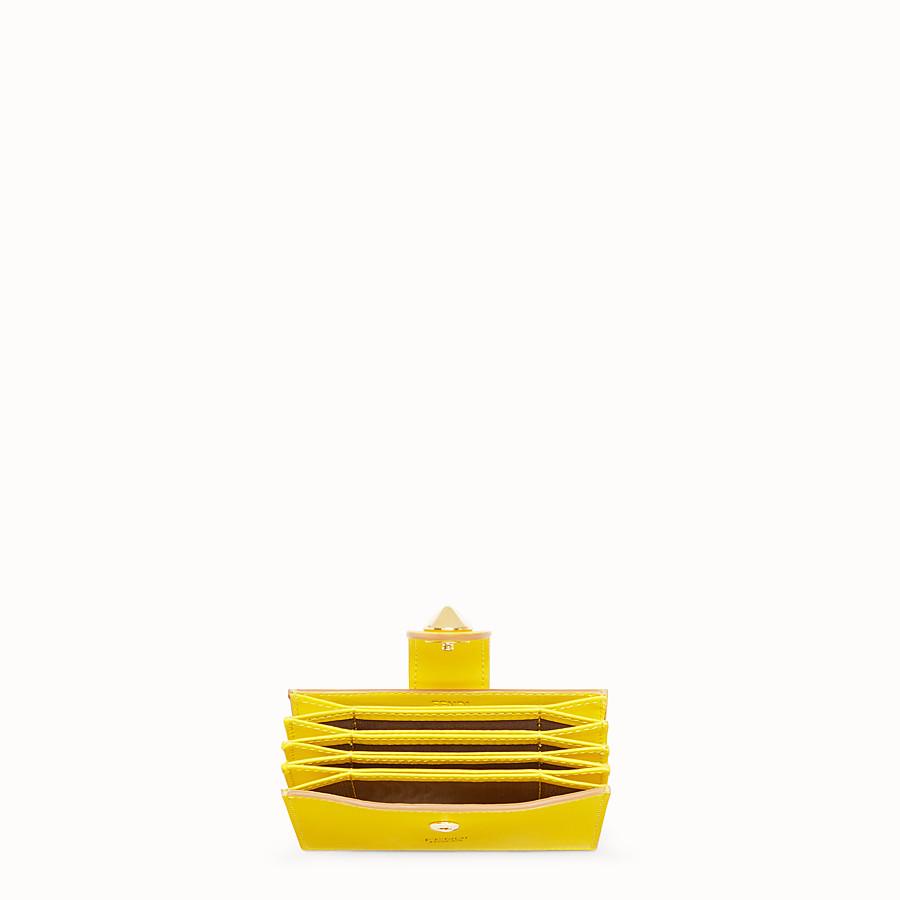 FENDI 카드 홀더 - 옐로우 컬러의 가죽 거싯 카드 홀더 - view 4 detail