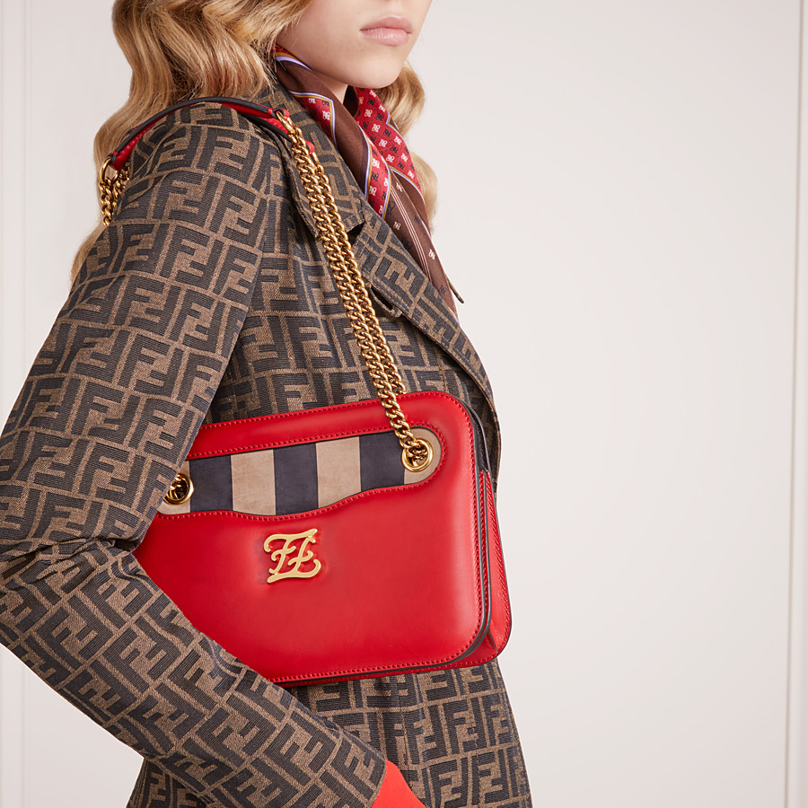 FENDI KARLIGRAPHY POCKET - Red leather bag - view 2 detail