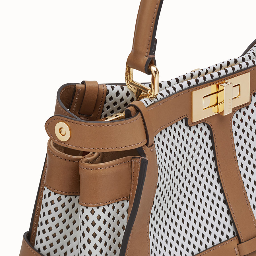 FENDI PEEKABOO ICONIC MEDIUM - Tasche aus Leder in Weiß - view 6 detail