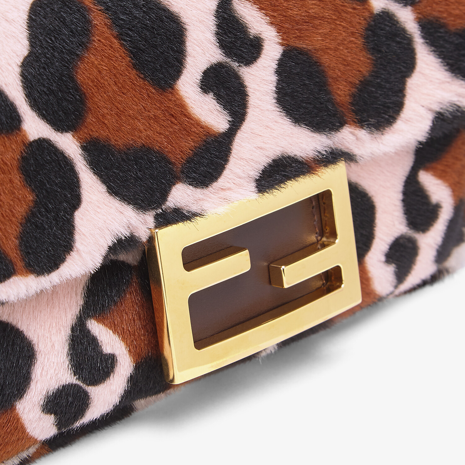 FENDI BAGUETTE - Pink sheepskin bag - view 5 detail
