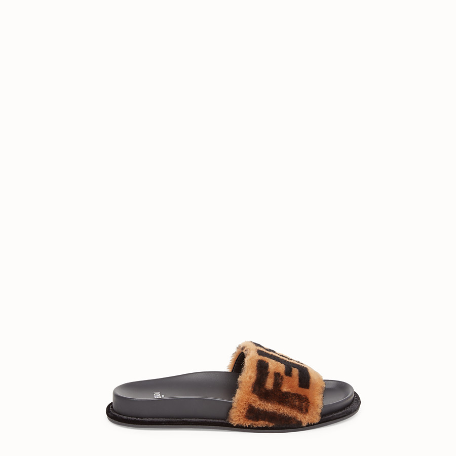 FENDI SANDALS - Brown leather and sheepskin slides - view 1 detail
