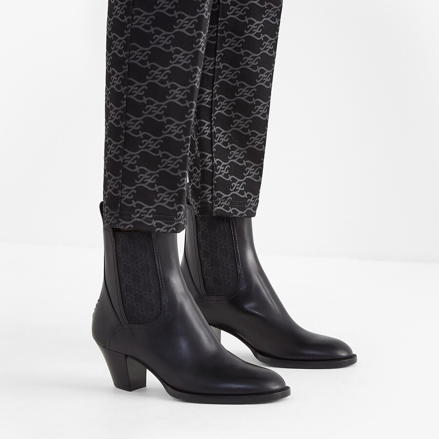 FENDI KARLIGRAPHY - Black leather boots with medium heel - view 5 detail