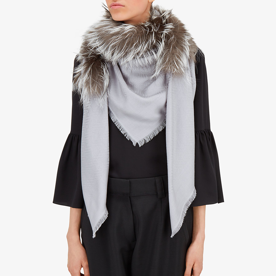 FENDI TOUCH OF FUR SHAWL - Shawl in silk, wool and fur - view 3 detail