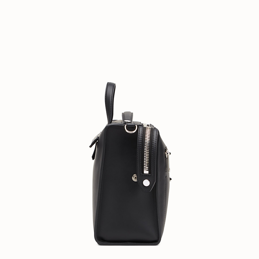 FENDI MESSENGER - Black leather shoulder bag - view 2 detail