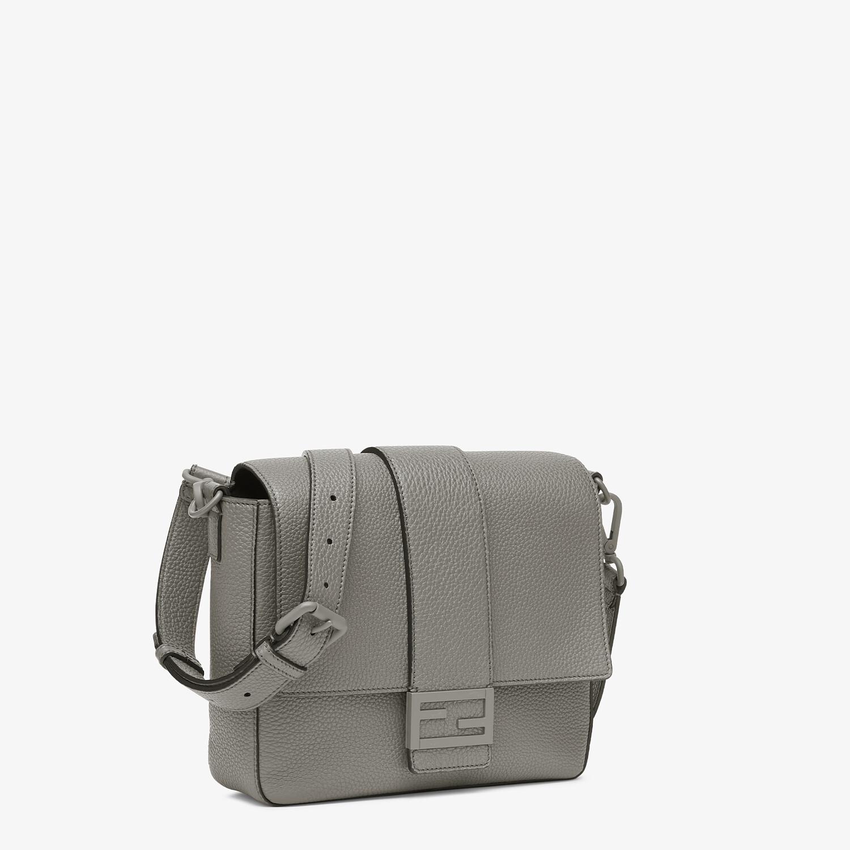 FENDI BAGUETTE MESSENGER BAG MEDIUM - Light gray leather bag - view 2 detail