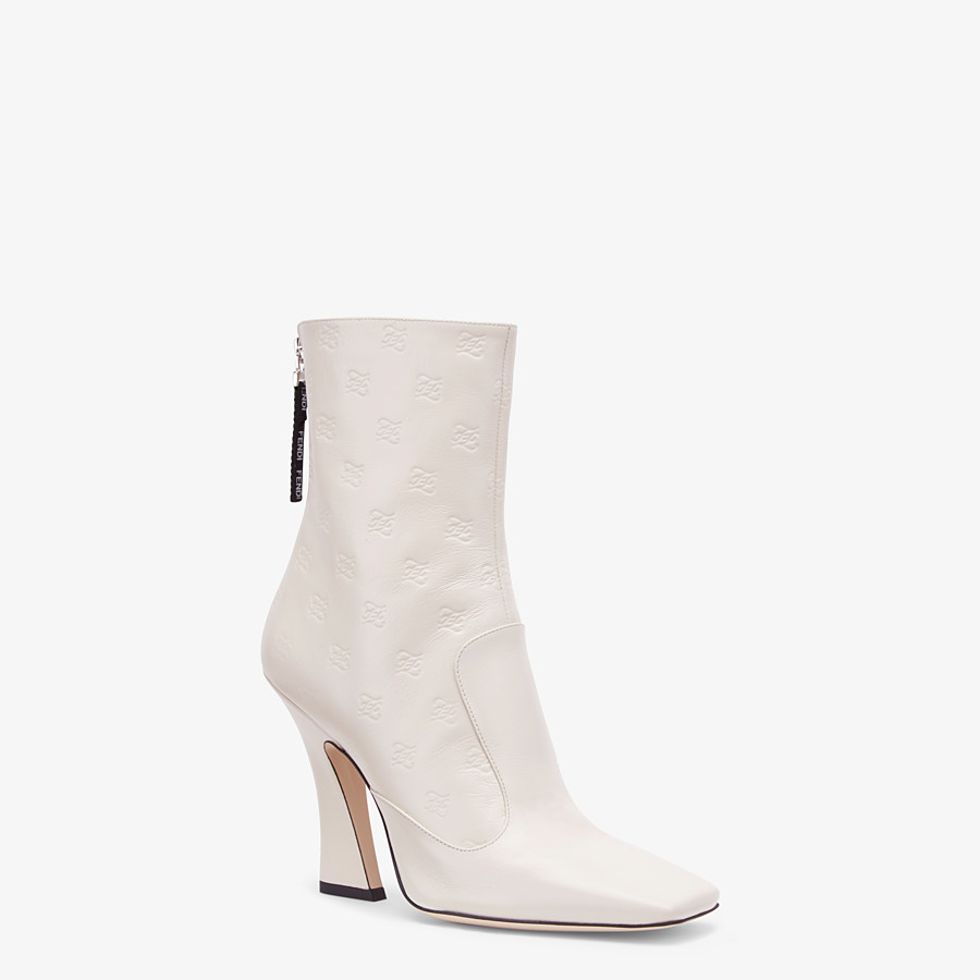 FENDI BOTTES - Bottines en cuir blanc - view 2 detail