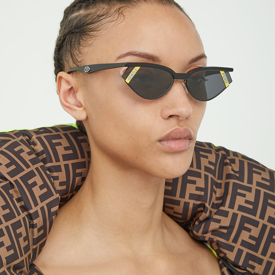FENDI GENTLE Fendi No. 1 - Black sunglasses - view 5 detail