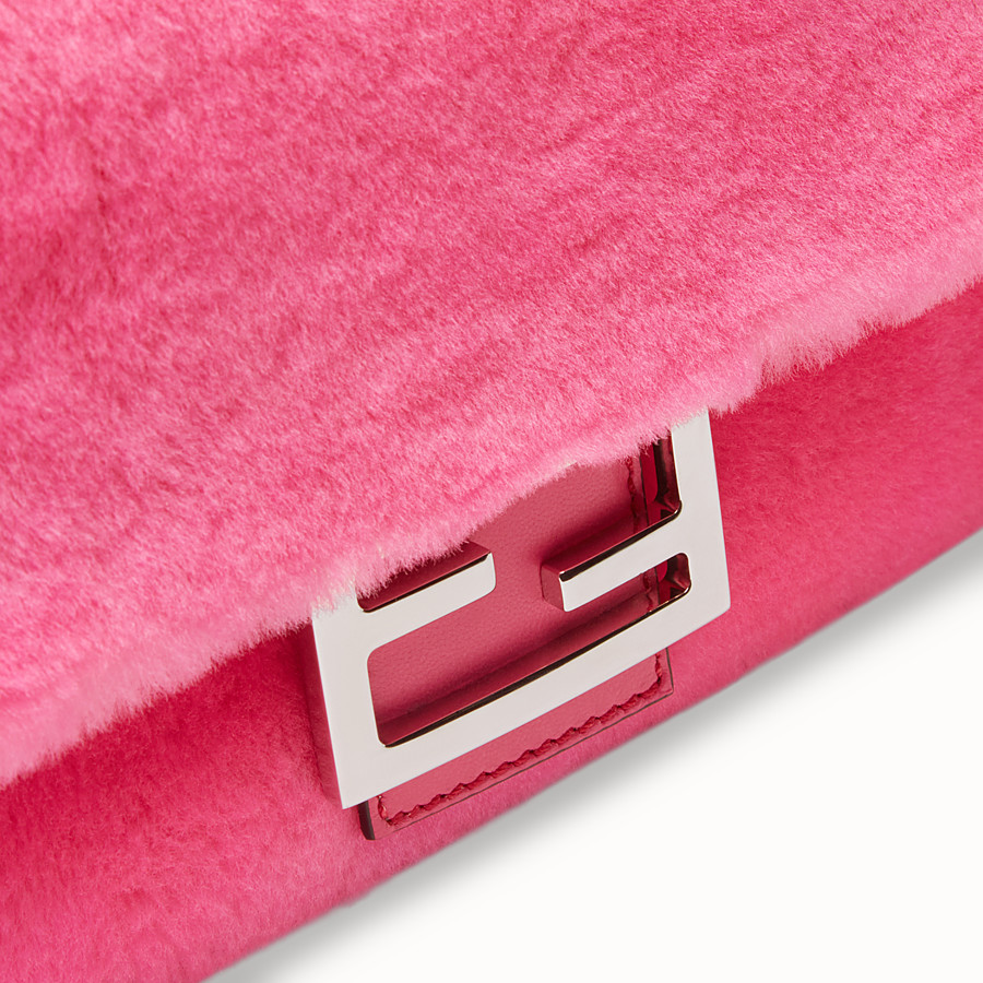 FENDI BAGUETTE - Fendi Prints On sheepskin bag - view 6 detail