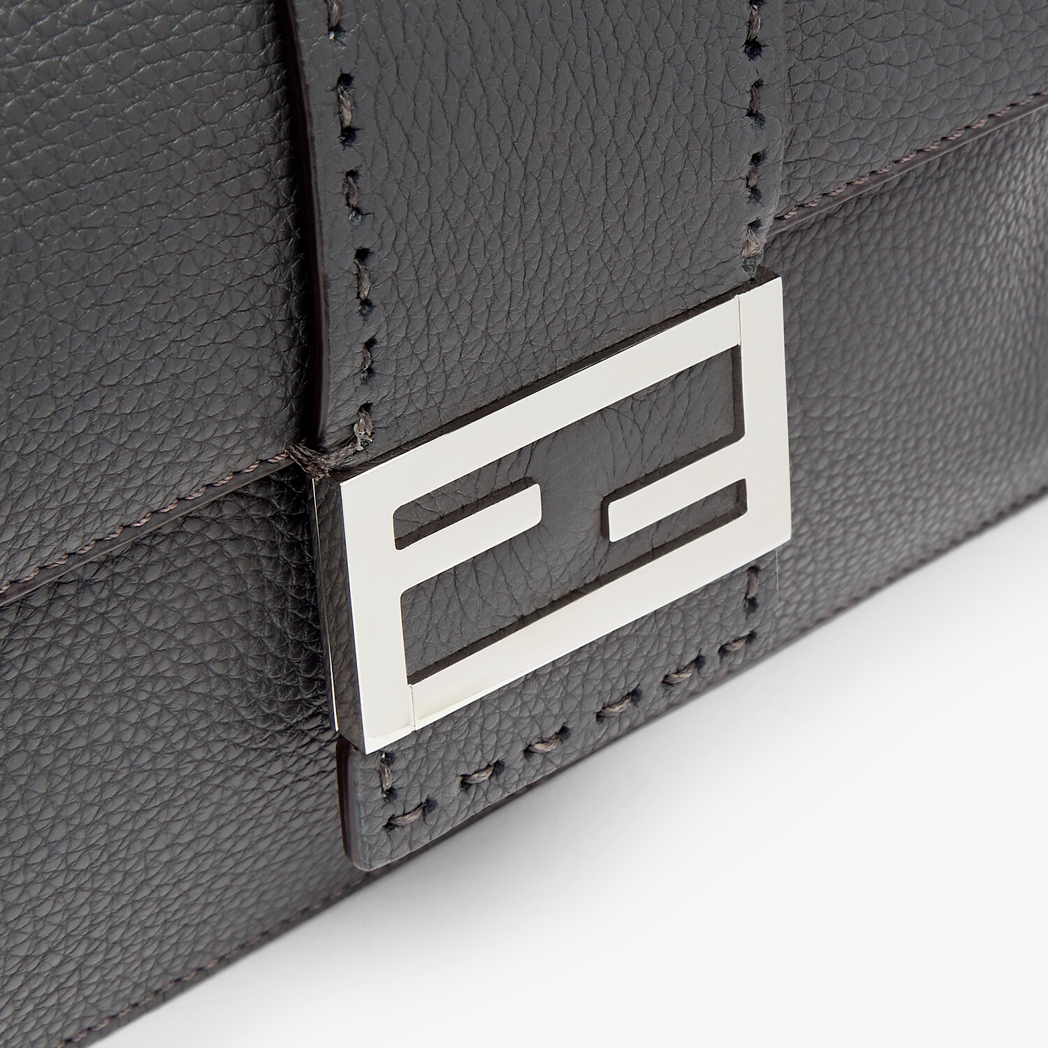 FENDI FLAT BAGUETTE - Gray leather bag - view 5 detail