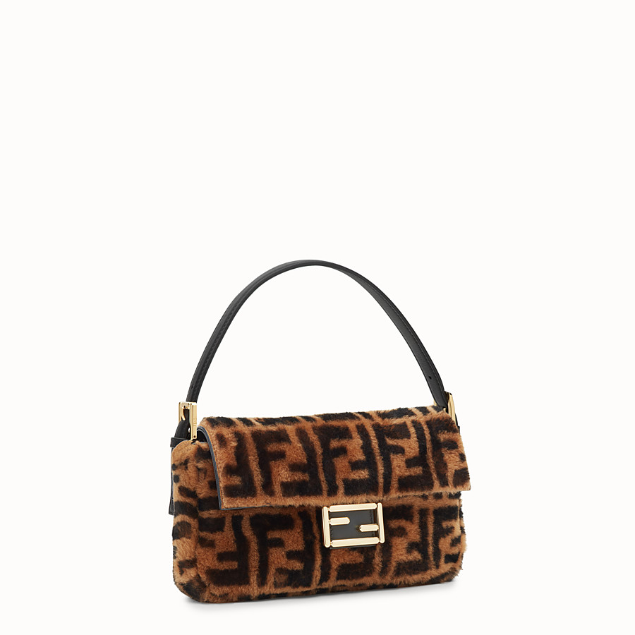 FENDI BAGUETTE - Brown sheepskin bag - view 2 detail