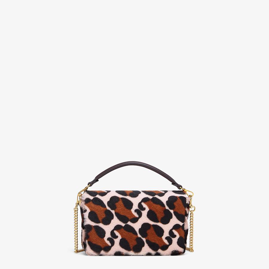 FENDI BAGUETTE - Tasche aus Lammfell in Rosa - view 3 detail