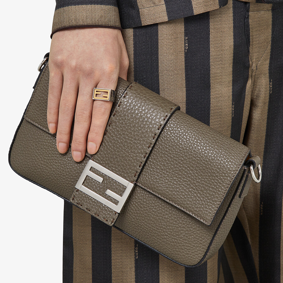 FENDI BAGUETTE - Green leather bag - view 7 detail