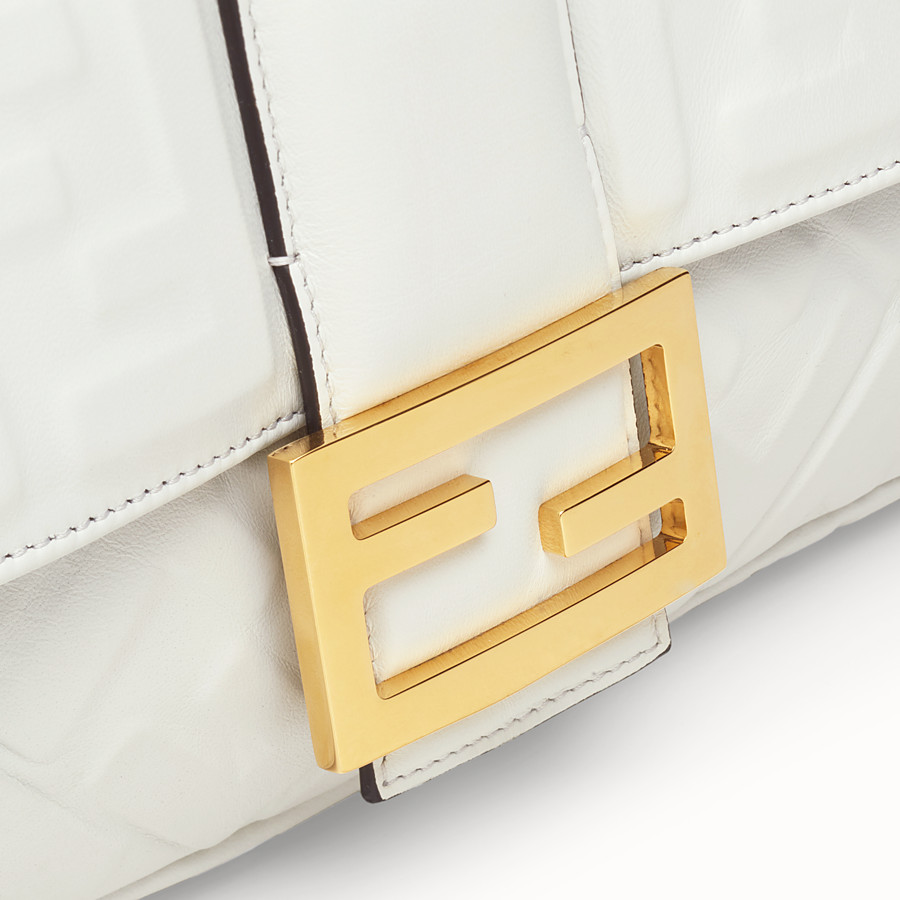FENDI BAGUETTE LARGE - Sac en cuir blanc - view 5 detail
