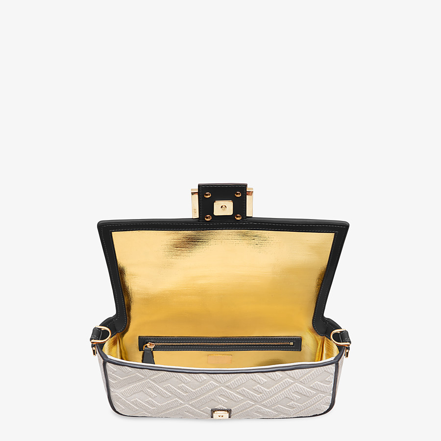 FENDI BAGUETTE - White canvas bag - view 4 detail