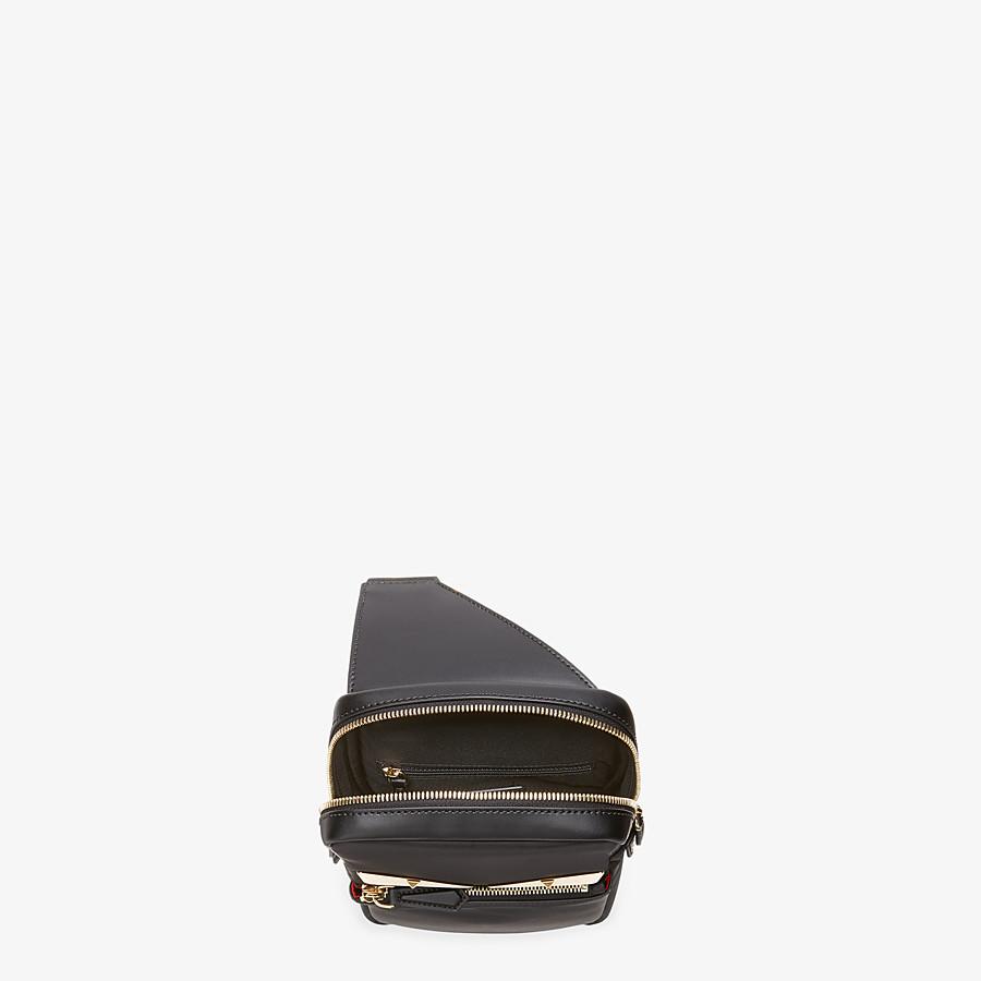 FENDI SAC BANANE - Sac à dos à bretelle simple en nylon noir - view 4 detail