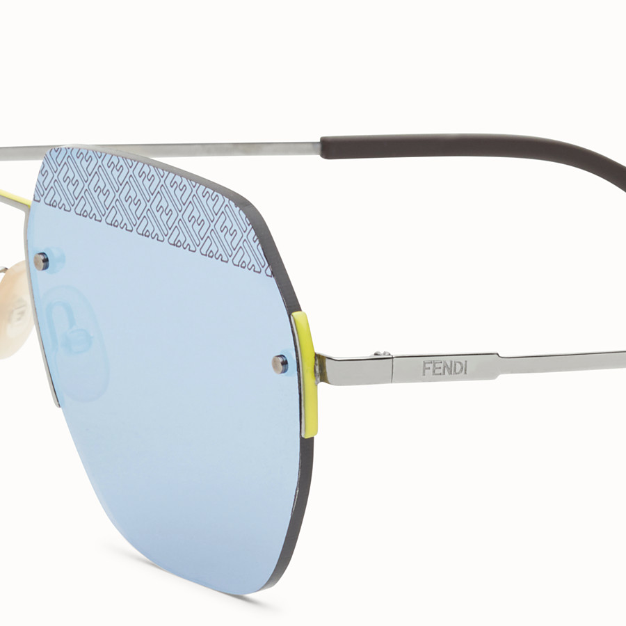 FENDI FF - Sonnenbrille in der Farbe Ruthenium - view 3 detail