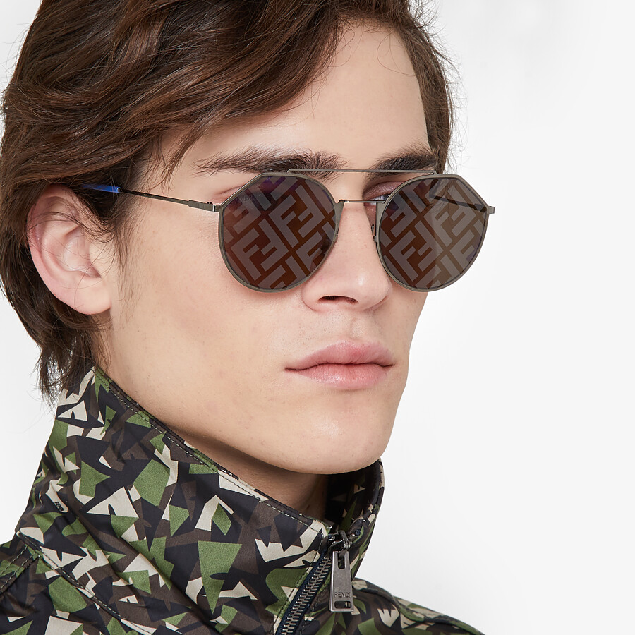 FENDI EYELINE - Gray sunglasses - view 4 detail