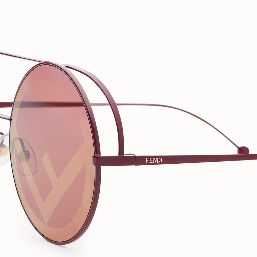 FENDI RUN AWAY - Sonnenbrille in Rot - view 3 detail