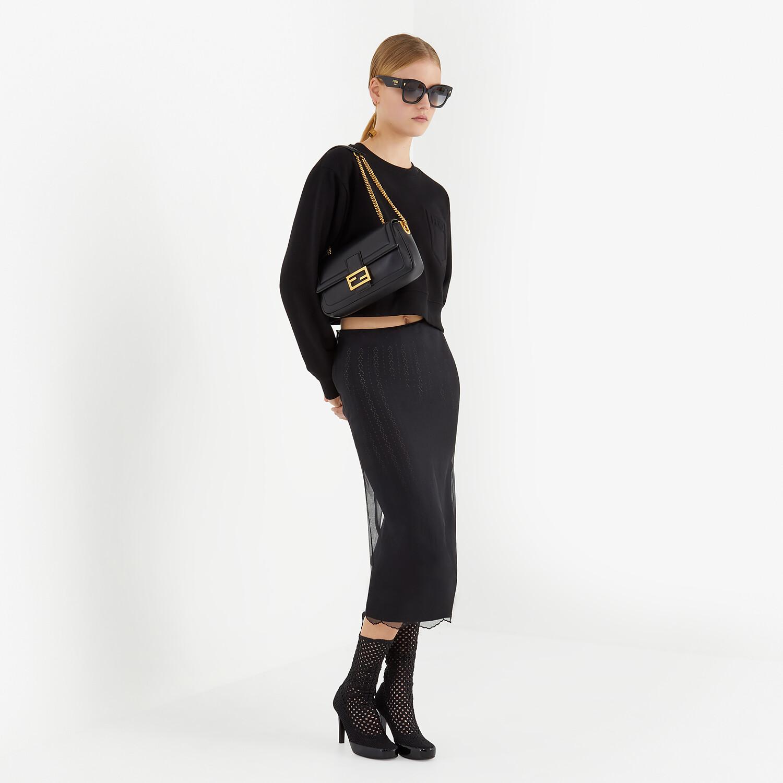 FENDI BAGUETTE CHAIN - Tasche aus Nappaleder in Schwarz - view 2 detail