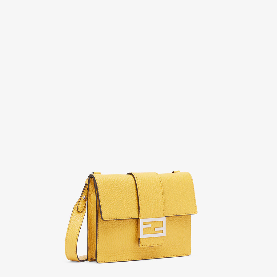 FENDI FLAT BAGUETTE - Yellow leather bag - view 2 detail