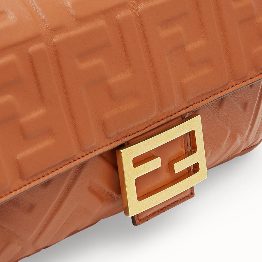 FENDI BAGUETTE - Borsa in nappa marrone - vista 6 dettaglio