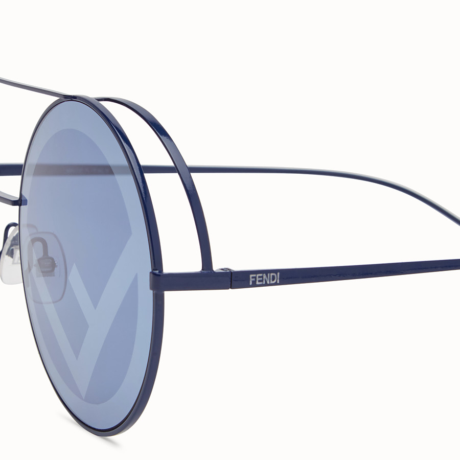 FENDI RUN AWAY - Lunettes de soleil Runway bleues. - view 3 detail