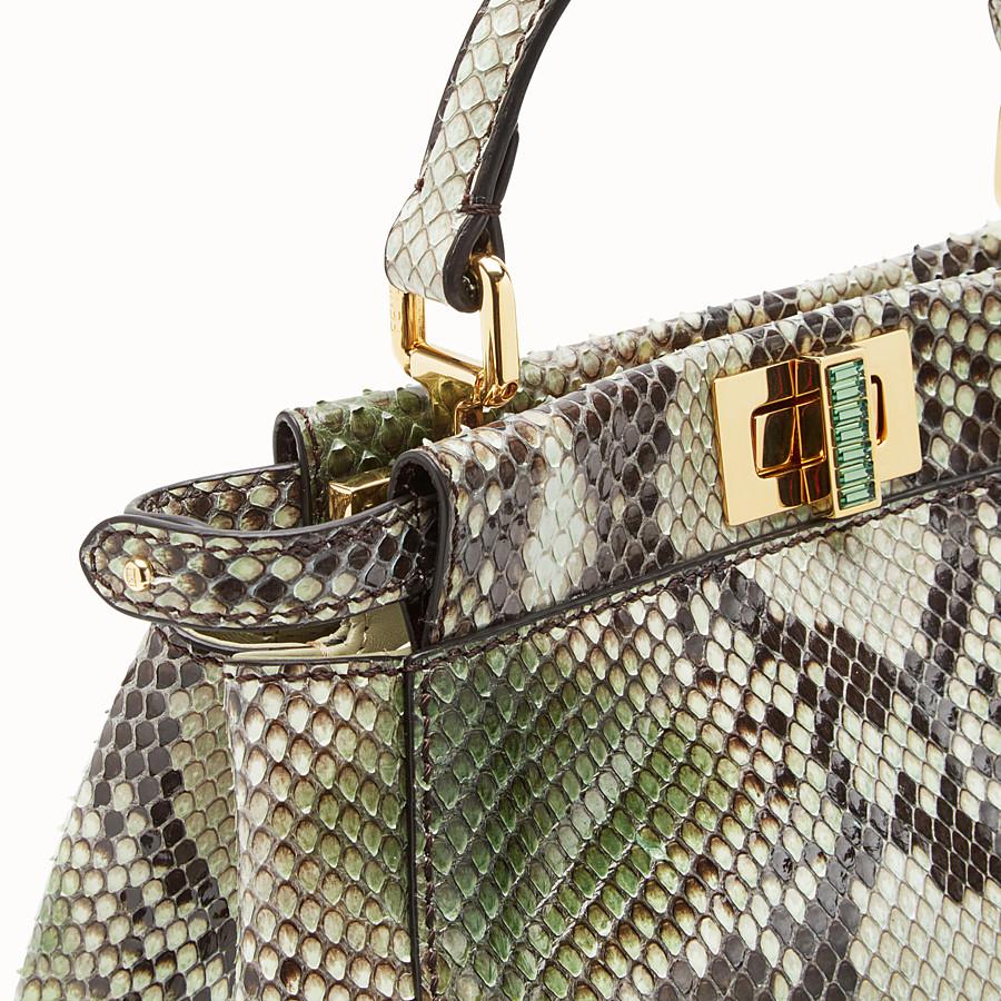 FENDI PEEKABOO ICONIC MINI - Tasche aus Pythonleder in Grün - view 5 detail