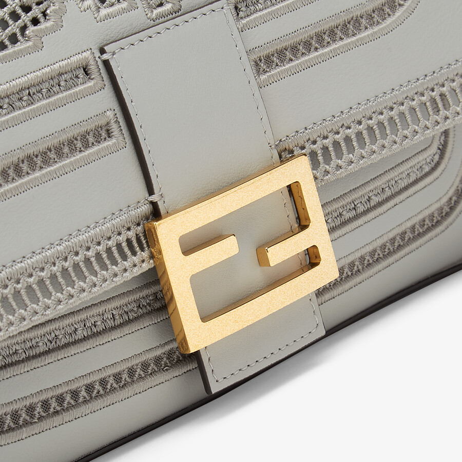 FENDI BAGUETTE CHAIN - Embroidered grey leather bag - view 5 detail