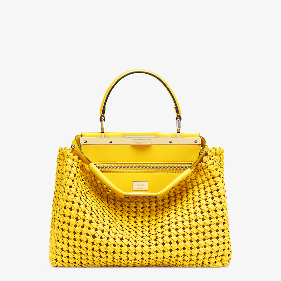 FENDI PEEKABOO ICONIC MEDIUM - Tasche aus Interlace Leder in Gelb - view 1 detail