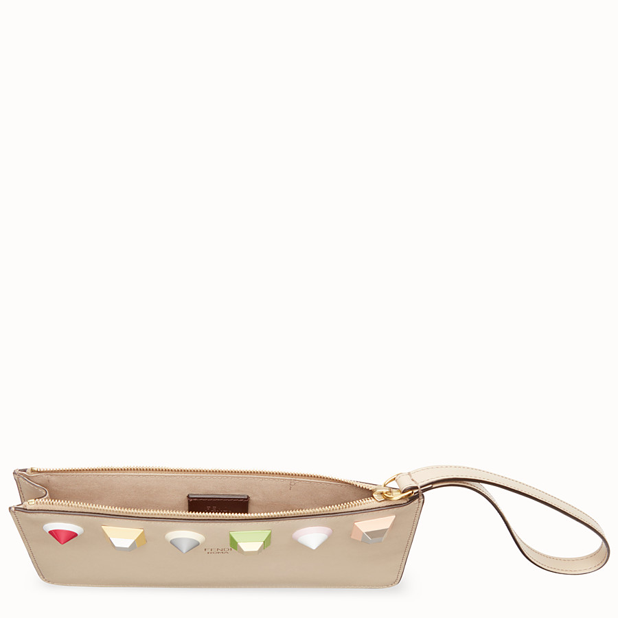 FENDI FLAT CLUTCH - Beige leather pochette - view 4 detail