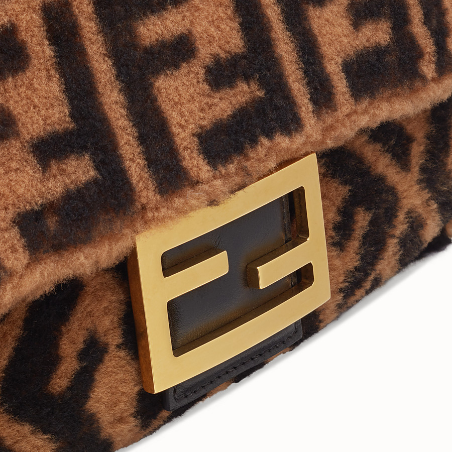 FENDI BAGUETTE LARGE - Brown sheepskin bag - view 5 detail